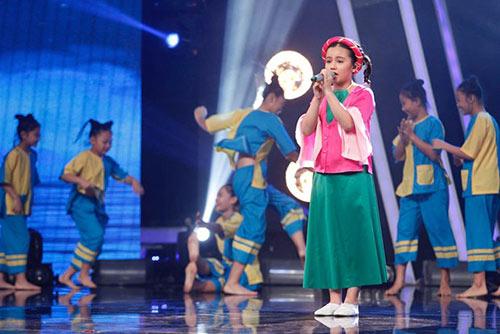 ho van cuong ap dao binh chon tai vietnam idol kids du hat nac - 6