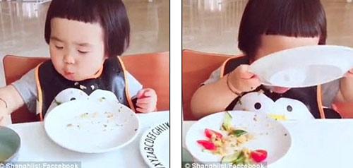 "day chinh la co be hau an dang khien cac me bim sua ""phat them"" - 2"
