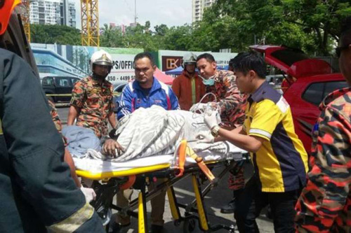 malaysia: bi bong 60% co the vi nghe dien thoai khi do xang - 1