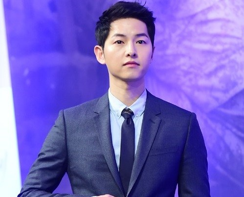 cau tra loi ve tin don co ban gai cua song joong ki khien fan ban loan - 1