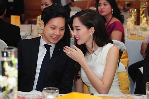 """ban trai """"chuan soai ca"""" cong khai khoe hanh phuc ben hoa hau thu thao - 11"""
