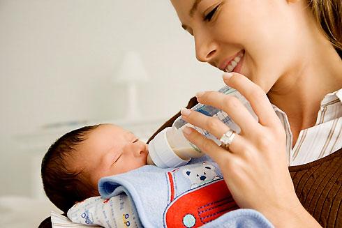 Giảm nôn trớ sữa cho trẻ sơ sinh - 1