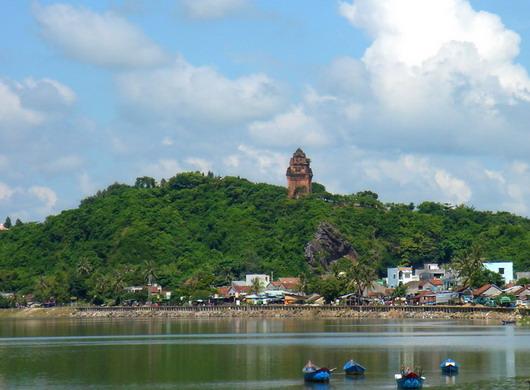 8 thắng cảnh đẹp nhất Phú Yên - 1
