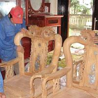 Sôi động thị trường đồ gỗ cũ