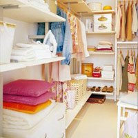 Mẹo sắp xếp tủ quần áo cho nhà nhỏ