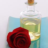 Tự chiết xuất tinh dầu hoa hồng