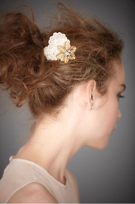 Hoa cài tóc cho cô dâu lãng mạn - 2