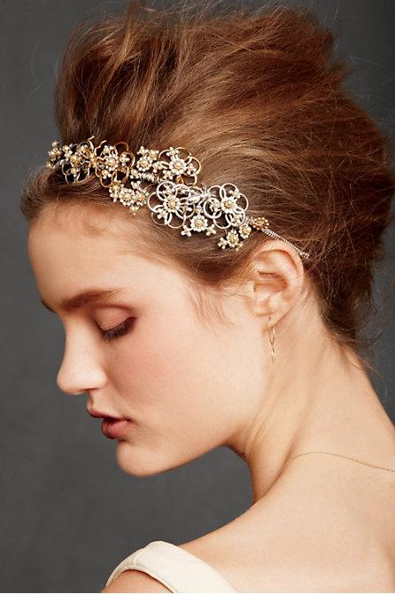 Hoa cài tóc cho cô dâu lãng mạn - 1