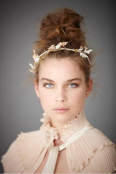 Hoa cài tóc cho cô dâu lãng mạn - 3