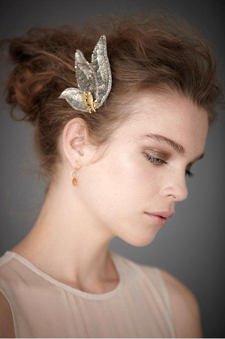 Hoa cài tóc cho cô dâu lãng mạn - 4