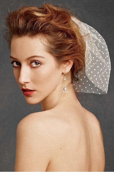 Hoa cài tóc cho cô dâu lãng mạn - 6