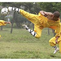"""""""Tuyệt đỉnh Kung Fu"""" bóng đá"""
