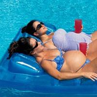 Bà bầu đi bơi có an toàn?