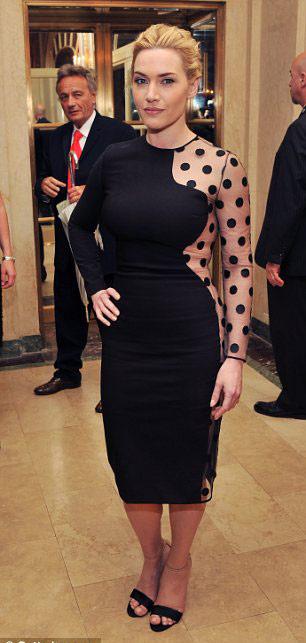 Váy chấm bi sexy 'chết người' của Stella McCartney - 2