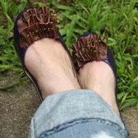 Làm điệu cho đôi giày búp bê trơn