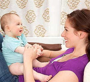8 điều chị em nên biết khi cho trẻ bú bình - 1