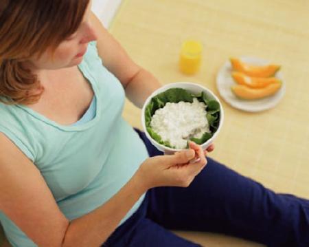 Chế độ ăn cho bà bầu 4 tuần đầu - 1