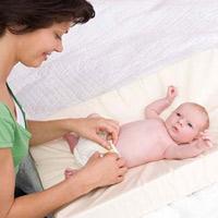 Số lần đi tiểu và sức khỏe bé sơ sinh