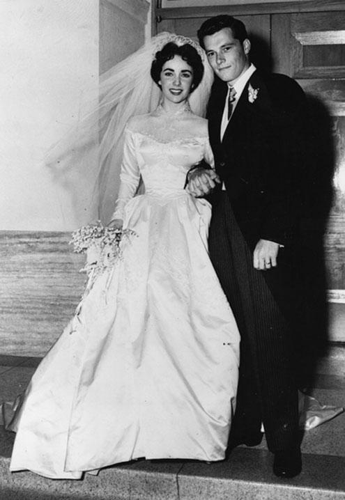 49 chiếc váy cưới nổi tiếng nhất mọi thời đại (P1) - 2