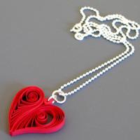 Khéo tay làm hình trái tim bằng giấy xoắn