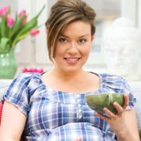 Bà bầu có nên ăn ngải cứu?