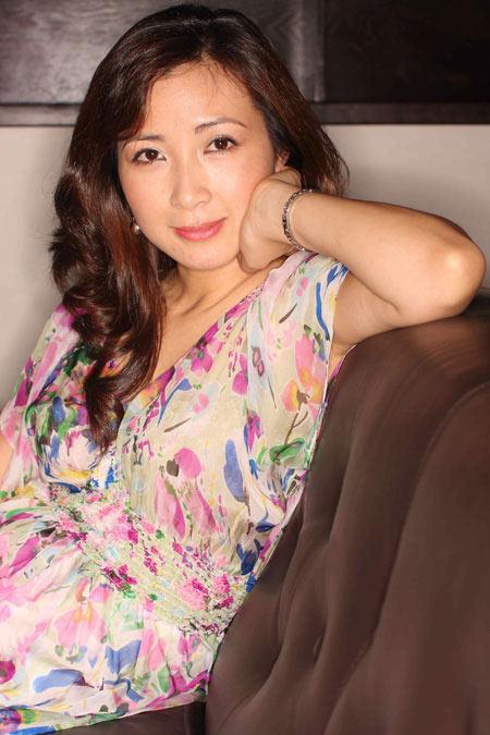 Khánh Huyền đã có chồng mới và con gái - 1