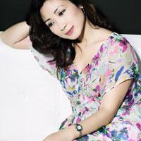 Khánh Huyền đã có chồng mới và con gái