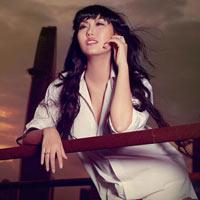 Phi Thanh Vân sexy với áo trắng