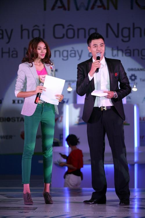 'Lật tẩy' gu thời trang của siêu mẫu Thanh Hằng - 10