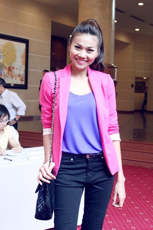 'Lật tẩy' gu thời trang của siêu mẫu Thanh Hằng - 11
