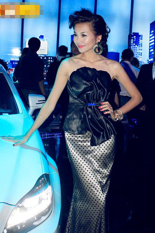 'Lật tẩy' gu thời trang của siêu mẫu Thanh Hằng - 28