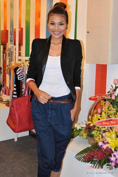 'Lật tẩy' gu thời trang của siêu mẫu Thanh Hằng - 15