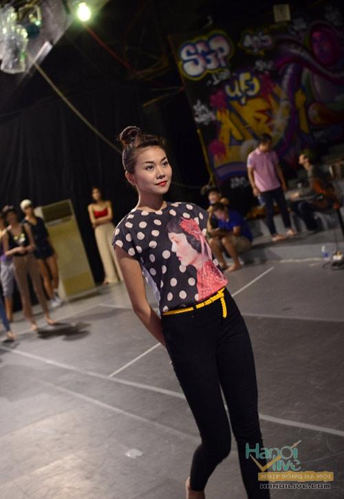 'Lật tẩy' gu thời trang của siêu mẫu Thanh Hằng - 9