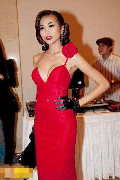 'Lật tẩy' gu thời trang của siêu mẫu Thanh Hằng - 18