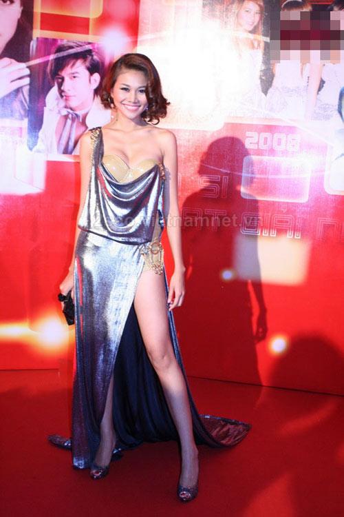 'Lật tẩy' gu thời trang của siêu mẫu Thanh Hằng - 29