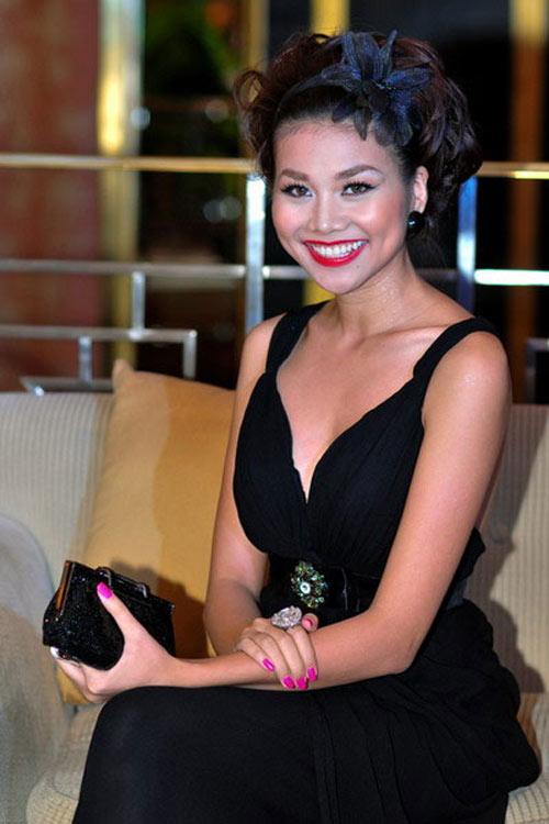 'Lật tẩy' gu thời trang của siêu mẫu Thanh Hằng - 24