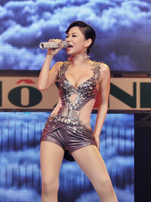 """Thu Minh: Sexy quá hoá """"thảm hoạ"""" - 2"""
