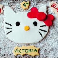 """Đáng yêu bánh sinh nhật """"Hello Kitty"""" cho bé"""