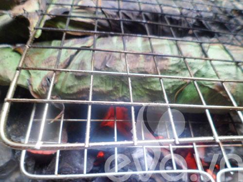Thơm ngon cá trê đồng nướng lá nghệ cuối tuần - 6