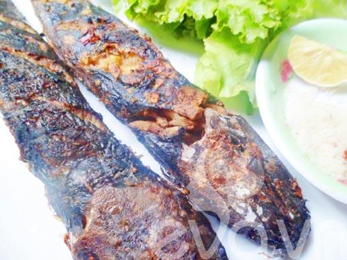 Thơm ngon cá trê đồng nướng lá nghệ cuối tuần - 7