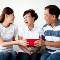 Có nên kết hôn với bạn của mẹ?