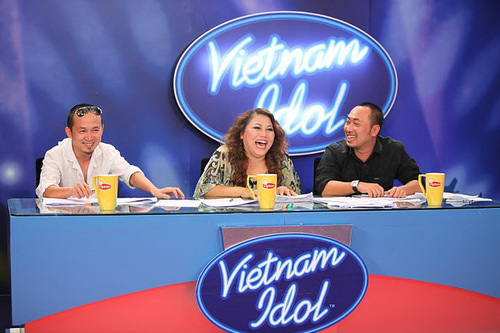 VN Idol: &quot;Hot&quot; v scandal ca th sinh - 4