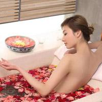 Tắm sau sinh, thế nào cho đúng?