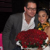 Ngắm chồng tây đẹp trai của Đoan Trang
