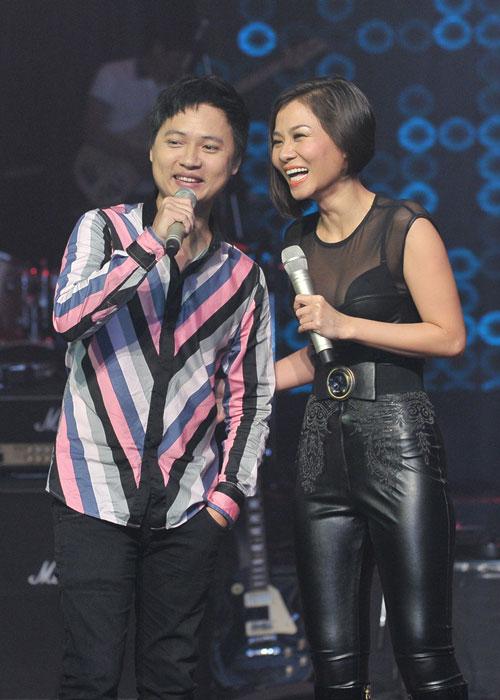 """Thu Minh """"chịu chơi"""" nhất The Voice? - 1"""