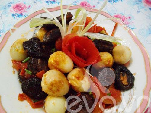 Thơm ngon món trứng cút om nấm - 10