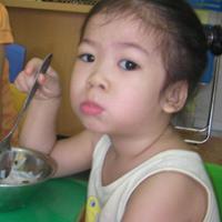 Giúp bé ăn nhanh - mẹo nhỏ, hiệu quả lớn