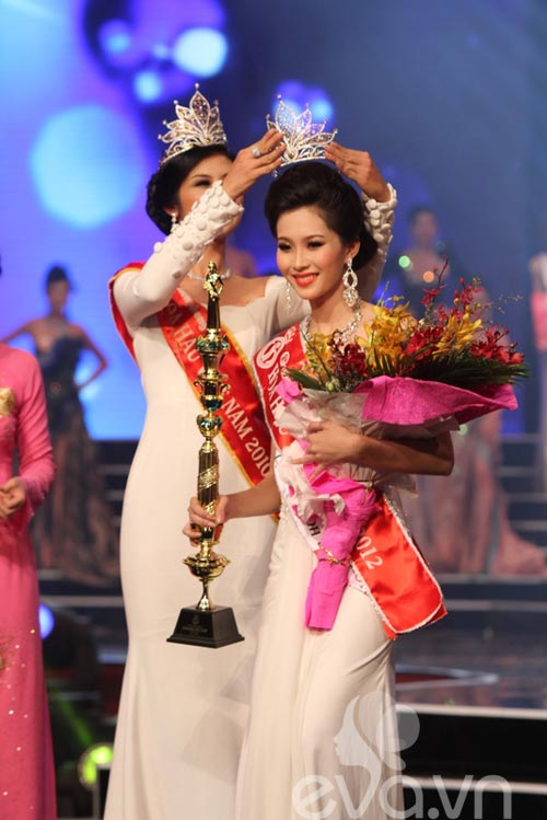 Đặng Thu Thảo đăng quang ngôi HHVN 2012 - 4