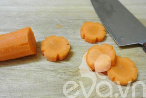 Canh thịt bò cuộn nấm kim châm - 3