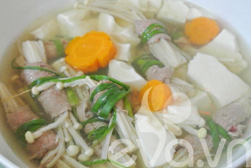 Canh thịt bò cuộn nấm kim châm - 7